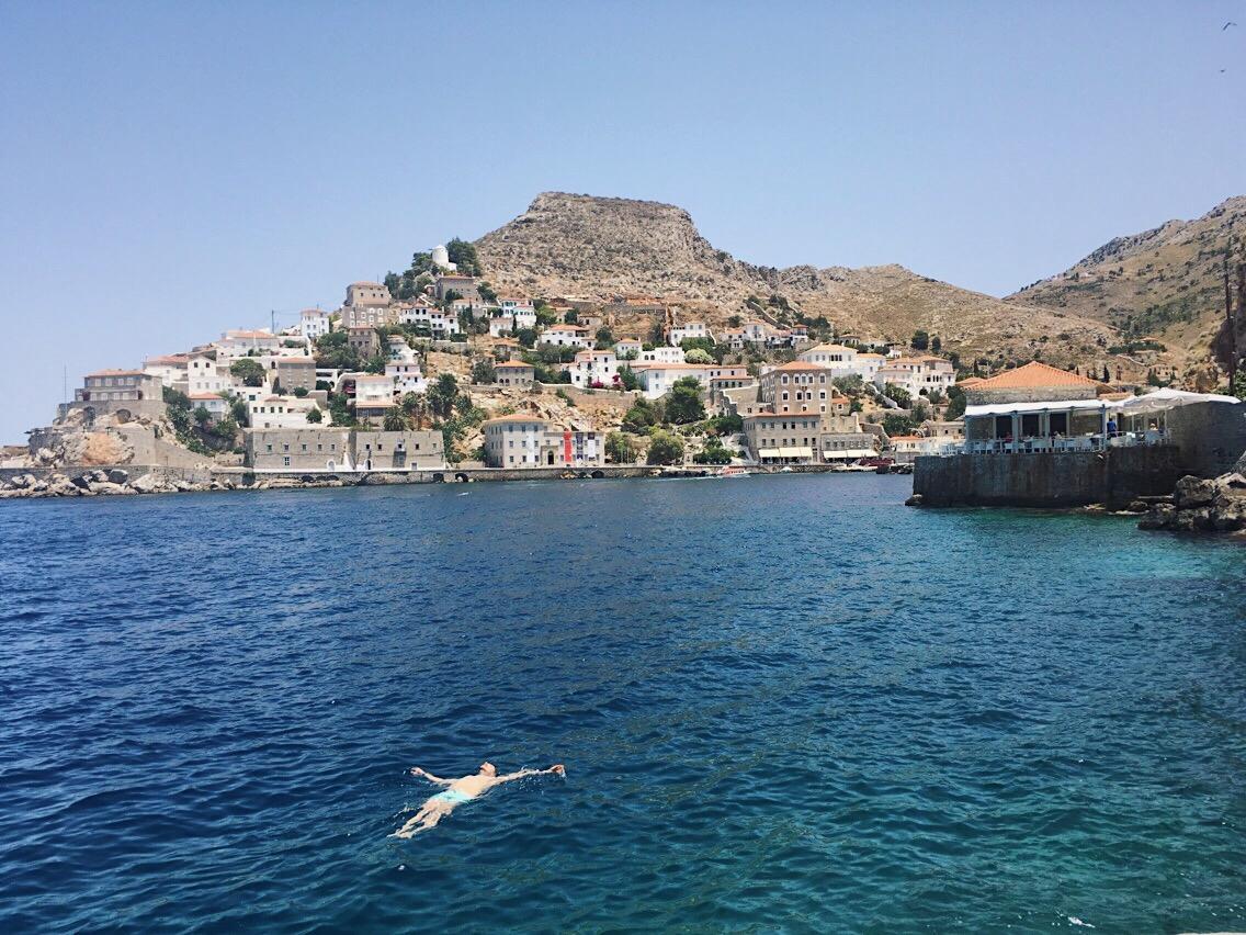 Hydra. Grecia. Lolanoviajasola. Spilia beach