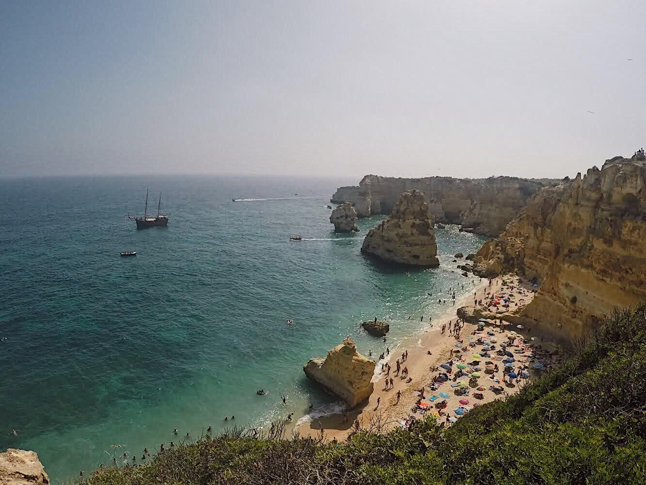 praia da Marinha. Portugal. Algarve. Lolanoviajasola