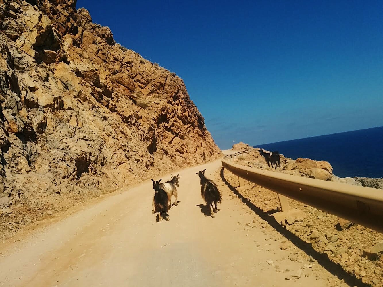 Ruta hacia playa de Balos. Creta by Lolanoviajasola