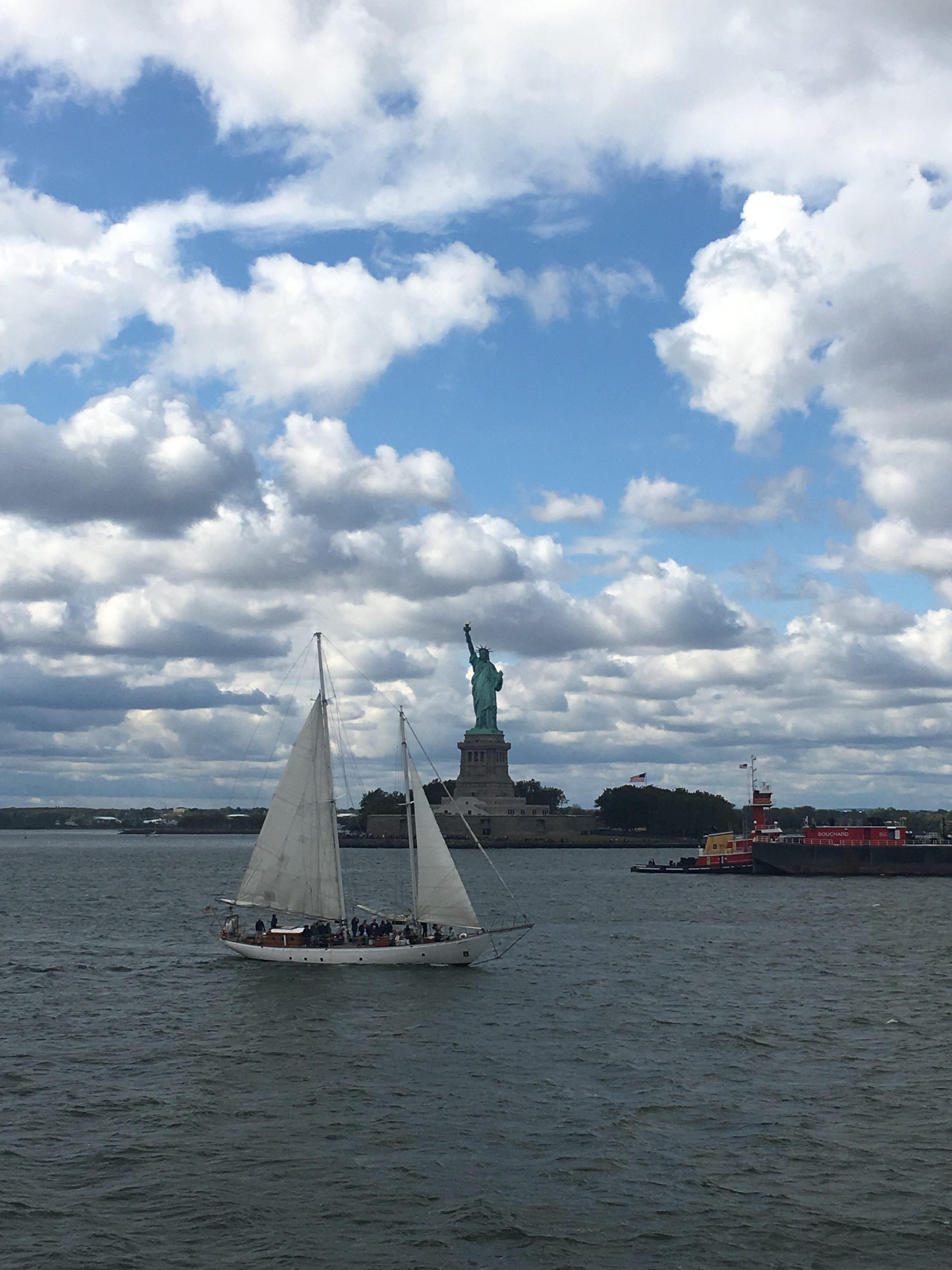 lolanoviajasola nueva york estatua de la libertad