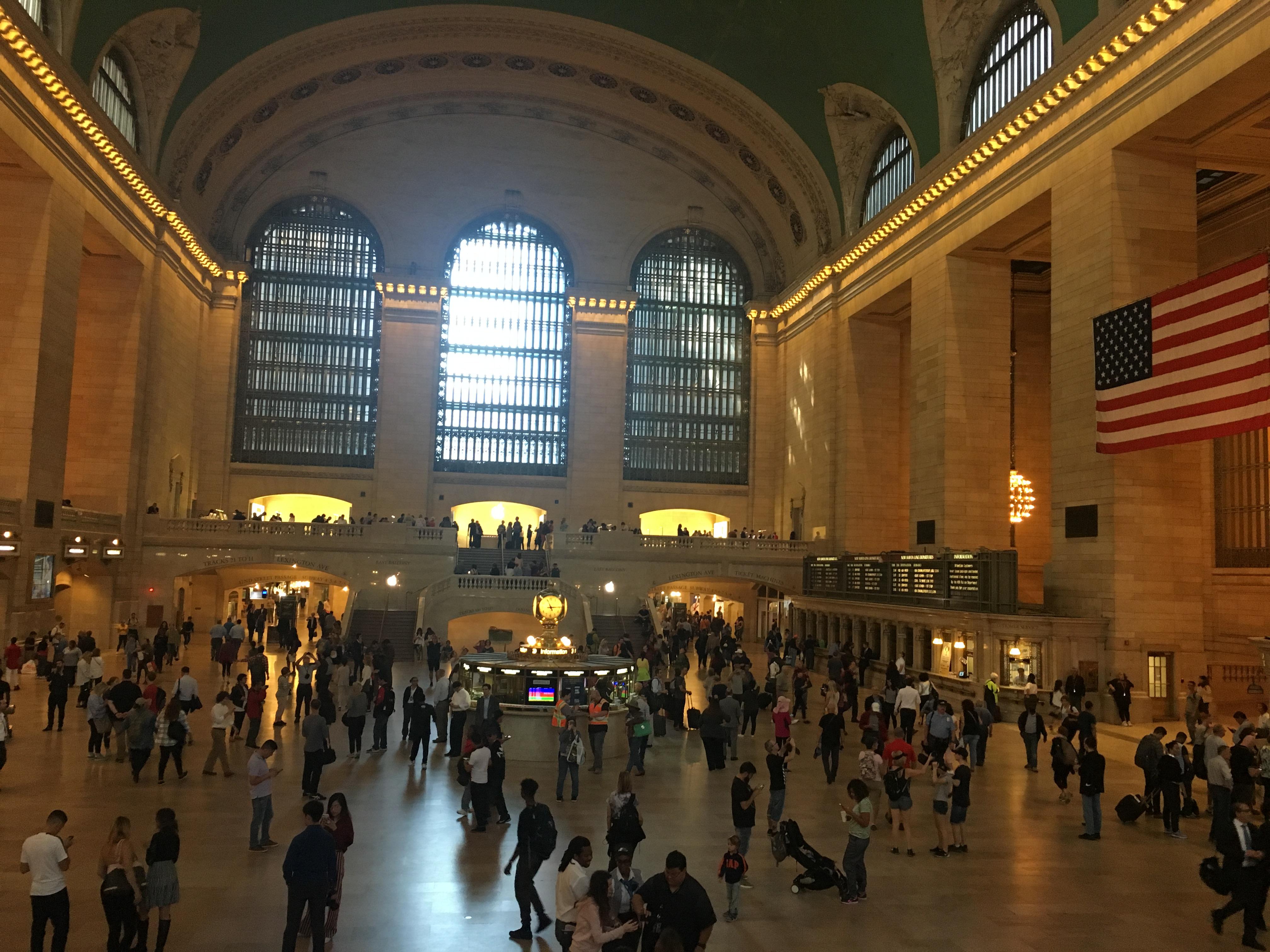 lolanoviajasola grand station nueva york