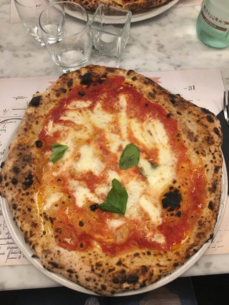 lolanoviajasola turin pizza