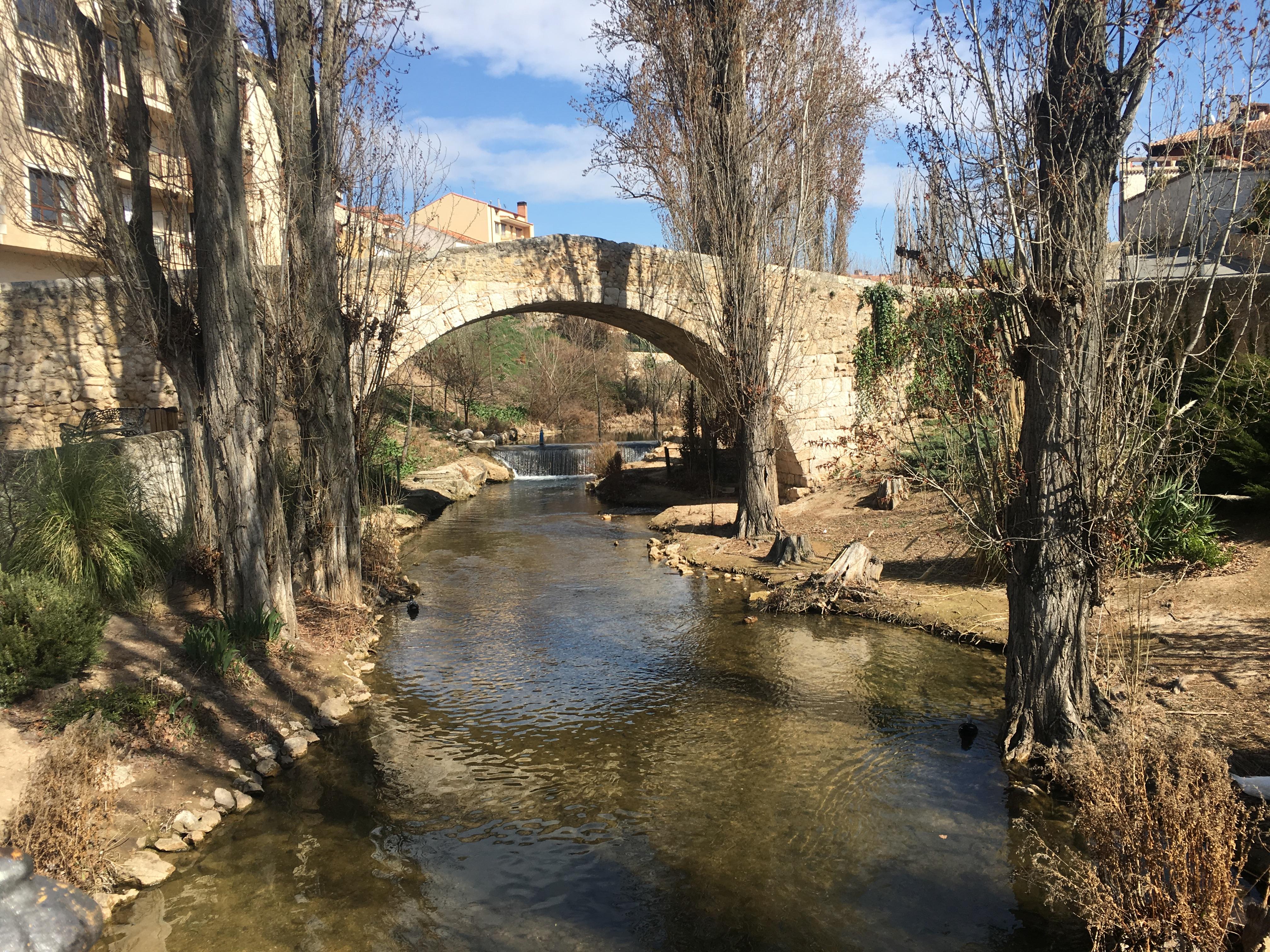 lolanoviajasola aranda duero puente
